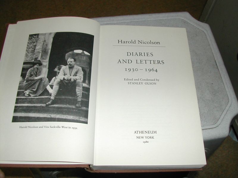 OLSON,  STANLEY - HAROLD  NICOLSON   DIARIES  AND  LETTERS   1930-1964