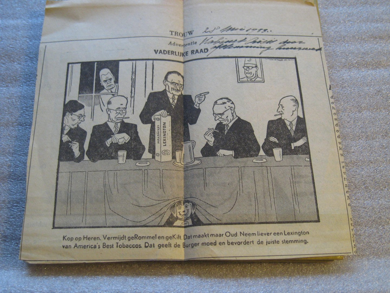 """Libellen-Serie Nr. 171/172 - Colijn in de caricatuur + losse cartoon uit trouw van 28 mei 1955 uit trouw over de """"huiswet"""""""