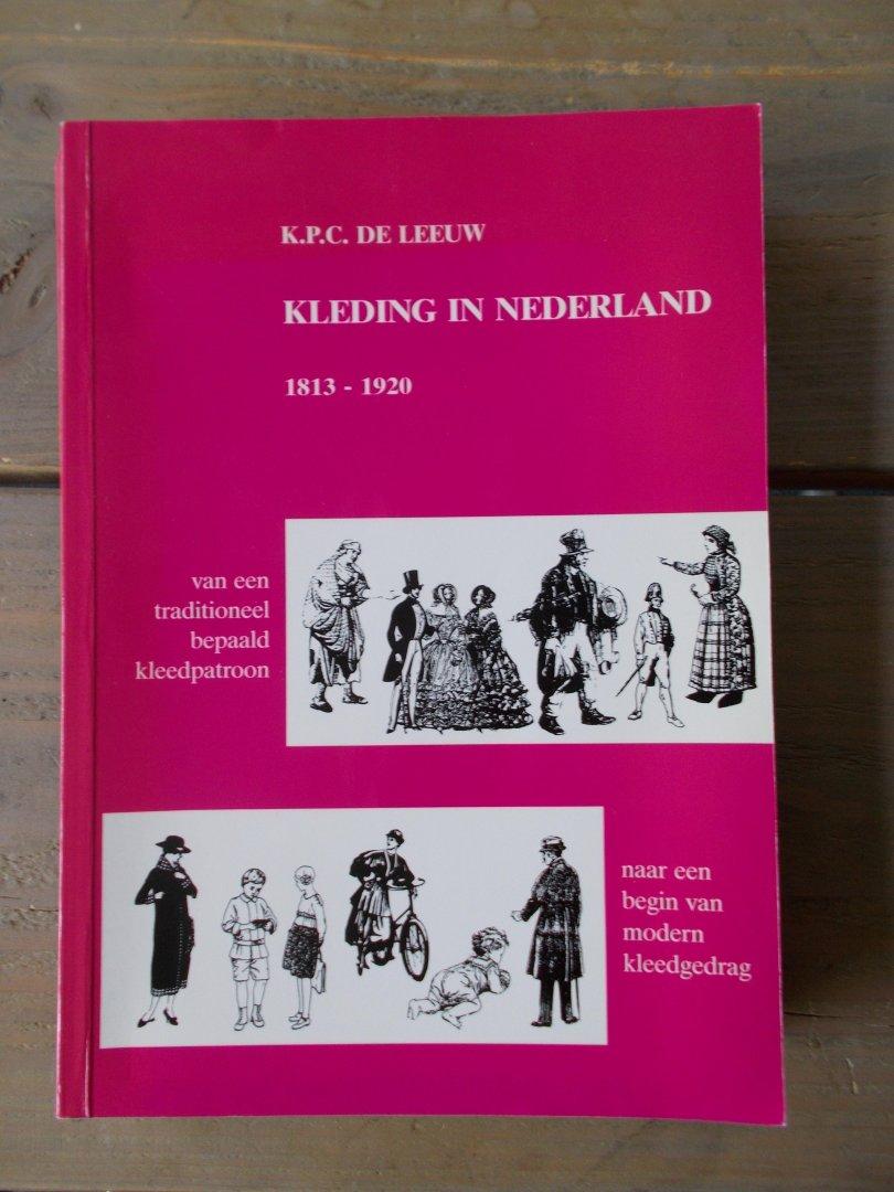 Kleding In Nederland.Boekwinkeltjes Nl Kleding In Nederland 1813 1920 Van Een