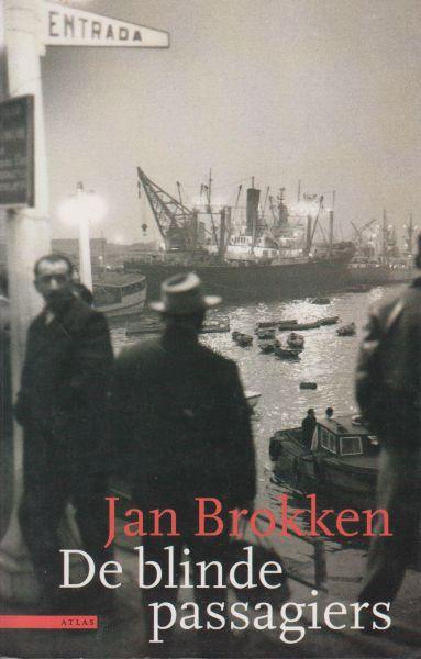 Brokken (Leiden, 10 juni 1949), Jan - De blinde passagiers / Vier passagiers varen op een vrachtschip mee, twee als verstekeling. Terwijl zij tussen de containers een verbeten strijd leveren tegen honger, dorst en uitputting, zoeken op het dek Adriana, de vrouw van de roerganger, en Maur