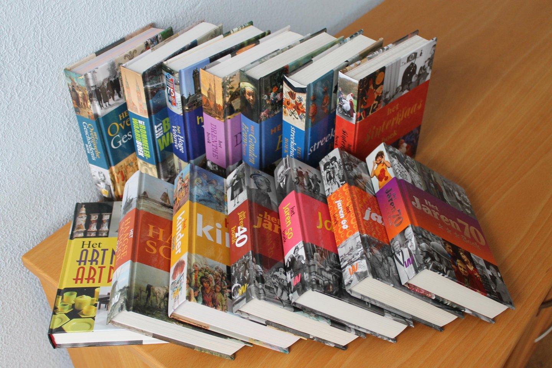 14 fotoboeken van Uitgeveri...