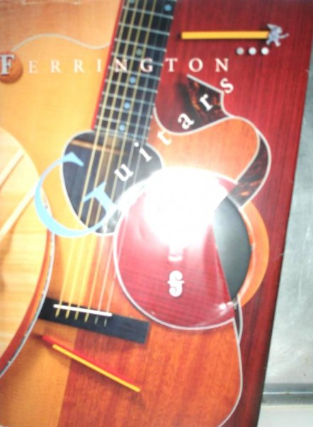 - FERRINGTON Guitars (gitaren) - luxe uitgevoerd boekwerk, import, over de beroemde amerikaanse gitaarbouwer Danny Ferrington