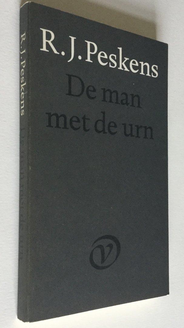 Peskens, R.J. - De Man met de Urn - EERSTE DRUK