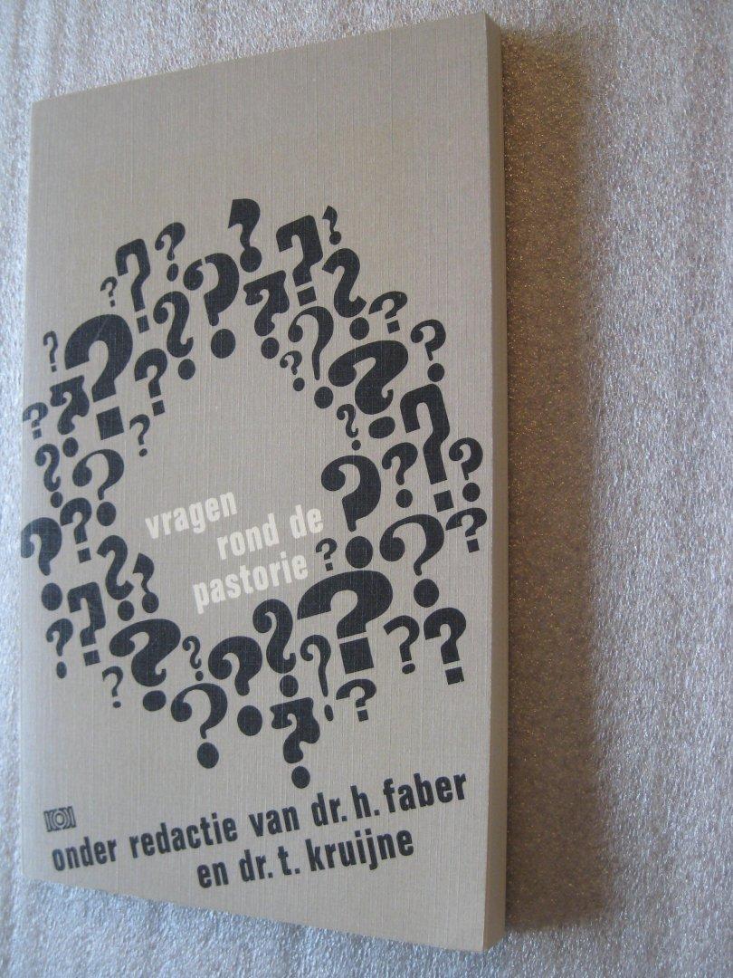 Faber, Dr.H. en Kruijne, Dr.T. (Red.) - Vragen rond de pastorie