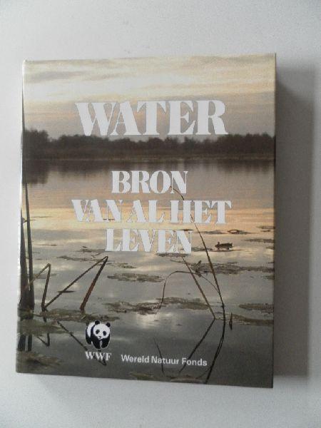 Nieuwenhoven, P.J. e.a. - Water bron van al het leven. Wereld Natuur Fonds deel 4.
