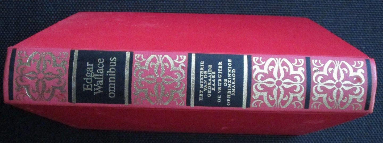Wallace, Edgar - Edgar Wallace omnibus / Het mysterie van de gedraaide kaars / De vrijbuiter / De geheimzinnige smaragd
