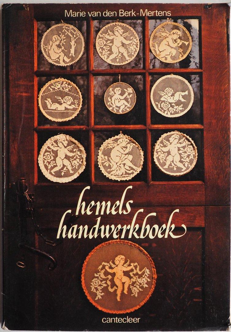 Berk-Mertens, Marie van den Illustrator : Smeets Ton & Paërl Hetty - Hemels handwerkboek
