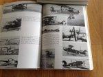 Hugo Hooftman - Van Brik tot Freedom Fighter, Vijftig jaar Luchtmachtvliegtuigen, deel 1: Met stofvrij en leren vliegkap