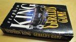 King, Stephen - Geralds Game (cjs) Stephen King (Engelstalig) pocket 0450586235 New English Library. Gelezen, maar netjs. zie foto