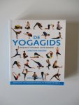 Brown, Clare - De Yogagids - praktisch yogaboek voor iedereen