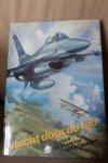 Jong, kolonel A.P. de - Vlucht door de tijd. 75 jaar Nederlandse luchtmacht
