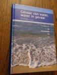 Everdingen, J.J.E. van - Gevaar van water; water in gevaar. Ter gelegenheid van De Anatomische Les 2001