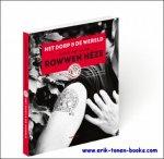 Auteur(s): Leonie Cornips, Barbara Beckers (red.) - dorp en de wereld Over dertig jaar Rowwen Heze - Rowwen Heze 30 joar.