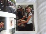 Evert van Kuijk - Spui, Amsterdam 91 foto's van een wekelijks boekenmarkt / 91 Pictues of a Weekly Book Market