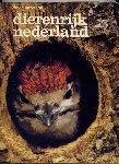 HAZELHOFF, FRED F. (foto`s en tekst) - Dierenrijk Nederland
