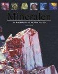 Jean- Paul Poirot - Mineralen En Edelstenen Uit De Hele Wereld