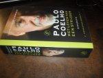 Morais, Fernando - Paulo Coelho   Het leven van een strijder