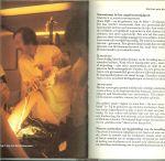 Crul Heleen .. tekeningen : Joop Russon foto's Cor de Bruin, Boudewijn Neutenboom en organon Nederland - Wij willen kinderen, Voorlichtingsboek voor toekomstige ouders over gezinsvorming, zwangerschap en de baby en de vraag , Heeft het gezin nog zin en de diagnose : zwangerschap