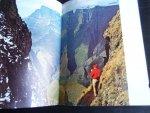 Dodds, David A. - A Cradle of Rivers, The Natal Drakensberg