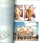Zeeman M & M.J. de Rooij  en Vertaald door S. Fenn P. Peters - Giganten  Giants  Den Haag Sculptuur Giganten  Giants 2004