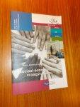 MIDDE, R.F.M. VAN (E.A.), - Sociaal economische vraagstukken. Mens, arbeid en samenleving (305). Serie traject welzijn.
