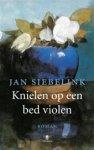 - Knielen op een bed violen