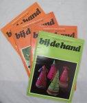 Duim-Smits, Olga ; Sandt, Marie-José van der - Bij-de-hand / kwartaalblad voor kreatieve handvaardigheid  10e jrg. nr. 3