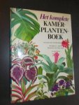 MOTT, RUSSELL C., - Het komplete kamerplantenboek.