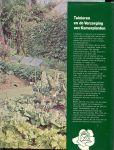 Wegman, Frans W   .. met vormgeving van omslag Gerrit van Rhijn en produktie  : Theo Benschop - Zelf uw Tuin aanleggen .. Tuin plezier voor uren