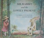Zolotow, Charlotte and Sendak, Maurice (ills.) - Mr. Rabbit and the lovely present