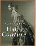 Hering, Fiona - Mart Visser Haute Couture, 229 pag. hardcover + stofomslag, gave staat